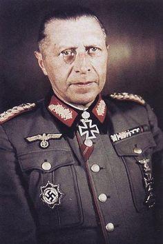 General der Artillerie Helmuth Weidling (1891-1955), Kommandieriender General XXXXI. Panzerkorps, Ritterkreuz 15.01.1943, Eichenlaub (408) 22.02.1944, Schwerter (115) 28.11.1944