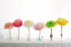 Enchanting Craft Inspiration For Mother's Day DIY Paper Flower Bouquet With A Lot Of Interest Little Mermaid Centerpieces, Paper Flower Centerpieces, Bottle Centerpieces, How To Make Paper Flowers, Tissue Paper Flowers, Baby Shower Centerpieces, Diy Fleur Papier, Papier Diy, Cheap Baby Shower