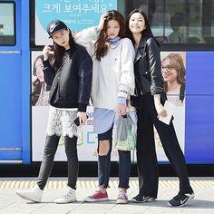STREET STYLE  Model 임정인, 이채영,김은해  #street #streetstyle #streetfashion #style #stylish #fashion #fashionable #women #beauty #nofilter #model #instfashion #ootd #outfit #dailylook #streetwear #likelike #instastyle #스트릿패션 #데일리룩 #데일리 #ensorcelant