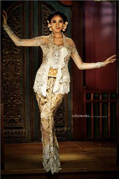 I am wearing traditional clothes. Kebaya Lace, Batik Kebaya, Kebaya Dress, Batik Dress, Kebaya Brokat, Kimono, Malay Wedding Dress, Kebaya Wedding, Wedding Dresses