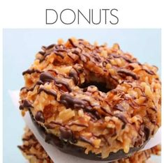 Samoa Donuts are like the real deal Girl Scout cookie but made with a soft, buttery, baked donut. Chocolate Line, Bacon Donut, Baked Donuts, Doughnuts, Filled Cookies, Sallys Baking Addiction, Delicious Donuts, Food Combining, Plated Desserts