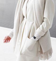 MINIMAL + CLASSIC: elegant winter whites   MyDubio