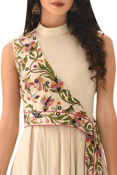 Sleeves Designs For Dresses, Dress Neck Designs, Stylish Dress Designs, Fashion Drawing Dresses, Indian Fashion Dresses, Indian Designer Outfits, Simple Kurta Designs, Kurta Designs Women, Designer Party Wear Dresses