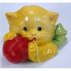 Vintage Chalk ware. I have Chalk ware fruit, but this is interesting...