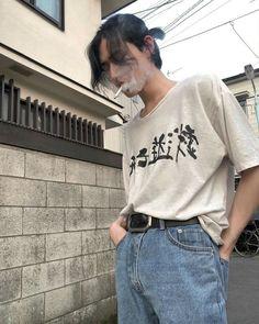 grunge, boys e alternative imagem no We Heart It Handsome Men Quotes, Handsome Arab Men, Asian Boys, Asian Men, Woman Sketch, Looks Street Style, Mode Vintage, Pretty Boys, Fashion Outfits