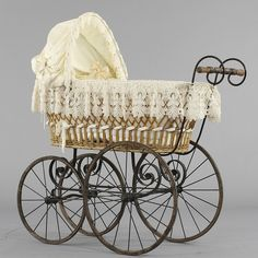 antique baby carriage | Baby stroller, swedish, early 1900s | ANTIQUE BABY