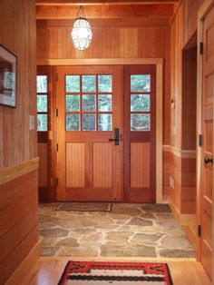Stone Entryway Flooring - Adjacent to wood flooring Flagstone Flooring, Slate Flooring, Kitchen Flooring, Flooring Ideas, Flooring Options, Penny Flooring, Farmhouse Flooring, Linoleum Flooring, Rubber Flooring