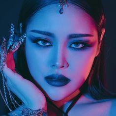 A imagem pode conter: 1 pessoa, close-up Korean Make Up, Close Up, Septum Ring, 1, Sexy, How To Make, Beautiful, Jewelry, Natural Person