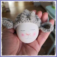 Tschi-Tschi: Sweet Lamb - Crochet Egg Warmer - Instructions for free Cute Lamb, Free Pattern, Diy And Crafts, Knit Crochet, Crochet Patterns, Bunny, Eggs, Easter, Etsy Shop