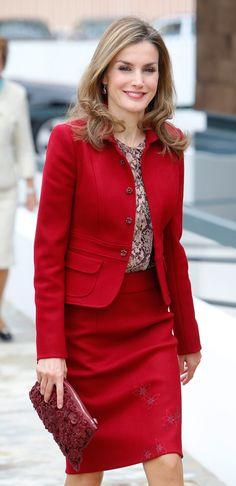 Queen Letizia Visits Portugal. 11/07/14 Letizia, de nuevo en Portugal, en su segundo viaje en solitario como Reina