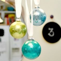 Tutorial on how to make glitter stick to the inside of glass ornaments...easy!