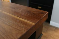 How We Refinished our Butcher block Countertop - Chris Loves Julia Butcher Block Countertops Kitchen, Butcher Block Tables, Glass Countertops, Kitchen Cabinets, Kitchen Sink Design, Kitchen Redo, New Kitchen, Awesome Kitchen, Kitchen Ideas