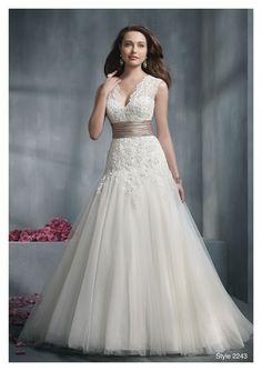 Google Image Result for http://www.gofashion4u.com/wp-content/uploads/2012/04/Wedding-Dresses-Large-Bust.jpg