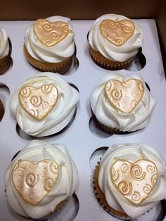 Golden 50th Anniversary Heart Cupcakes