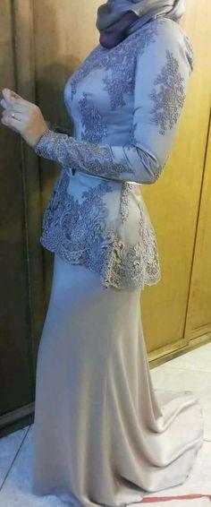 Shop sexy club dresses, jeans, shoes, bodysuits, skirts and more. Hijab Evening Dress, Hijab Dress Party, Evening Dresses, Abaya Fashion, Modest Fashion, Fashion Dresses, Tea Length Bridesmaid Dresses, Bridal Dresses, Modele Hijab