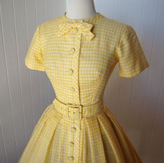Yellow gingham dress with belt and bow. And covered buttons - 1950s style