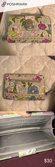 ❤️New Item❤️Vera Bradley wallet In good condition Vera Bradley Bags Wallets