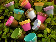 Childrens Garden Party Favors - Hand Painted Flower Pots - Reserved for Brie via Etsy Clay Flower Pots, Flower Pot Crafts, Clay Pot Crafts, Clay Pots, Diy Crafts, Painted Plant Pots, Painted Flower Pots, Diy Pour Enfants, Garden Party Favors