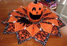 HANDMADE HALLOWEEN TABLE CENTERPIECE SPIDER WEBS TABLE TOPPER MAT FOLD N STITCH #FancyThreads