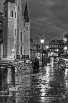New Orleans (The Big Easy) was my home the summer of 1980.  I loved living there.  <3