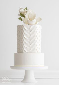 Simple and beautiful, the perfect wedding cake for an understated elegant wedding. wedding cakes cakes elegant cakes rustic cakes simple cakes unique cakes with flowers White Wedding Cakes, Elegant Wedding Cakes, Beautiful Wedding Cakes, Wedding Cake Designs, Wedding Cake Toppers, Beautiful Cakes, Perfect Wedding, Wedding Simple, Trendy Wedding