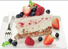 Is i lange baner Danish Dessert, Danish Food, Pudding Desserts, Dessert Recipes, Cakes And More, Vanilla Cake, Diet Recipes, Cheesecake, Tart