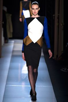 Roland Mouret Fall 2013 RTW - Review - Fashion Week - Runway, Fashion Shows and Collections - Vogue - Vogue
