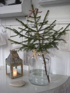 Beautiful Scandinavian Christmas Tree Décor Ideas (39)