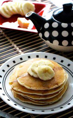 Pancakes vegan à la banane Pancakes Banane Vegan, Dessert Minute, Beignets, Coco, Breakfast, Pancake Healthy, Recipes, Dessert Simple