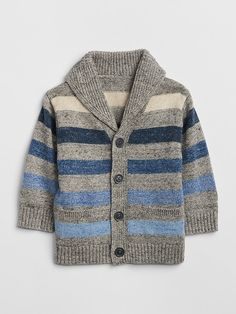 Baby boy sweaters and sweatshirts from Gap have quality and style. Our baby boy sweaters are available in a variety of trendy options perfect for active babies.