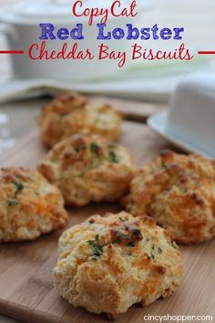 If you are a fan of Red Lobster Cheddar Bay Biscuits you are going to want to try this CopyCat Red Lobster Cheddar Bay Biscuit recipe. These biscuits are so Red Lobster, Lobster Rolls, Scones, Cheddar Bay Biscuits, Buttermilk Biscuits, Tasty, Yummy Food, Biscuit Recipe, Restaurant Recipes