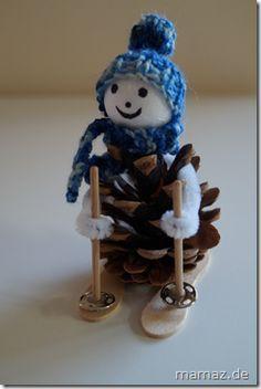 Tannenzapfen-Figur. Ist er nicht süß, der kleine Schneemann? :)