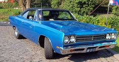 fastest american muscle cars 1969 plymouth  roadrunner