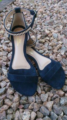 0c118775c5 Sandália Rasteirinha Preta Social Strass  sandálias  sandáliapreta   sandaliafeminina  sandaliastrass