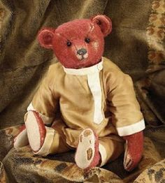 Alfonzo, red Steiff bear dressed in a Cossack uniform who belonged to Princess Xenia of Russia and who now lives with Ian Pout of Teddy Bears of Witney Old Teddy Bears, Antique Teddy Bears, Steiff Teddy Bear, Antique Toys, Vintage Toys, Bear Island, Love Bears All Things, Fabric Animals, Bear Doll