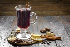 When you combine your favourite fruity tea with warm mulling spices, you get the perfect balance of tangy fruit and winter comfort. Martini, Holiday Recipes, Dinner Recipes, Mulling Spices, Alcoholic Drinks, Cocktails, Food Network Canada, Food Network Recipes, Recipes