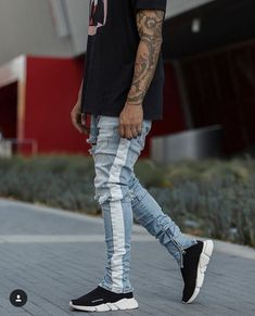 Side Zipper Slim Distressed Jeans Men Justin Bieber Ripped Tore Up For Stripe Pants High Fashion Men, Urban Fashion, Mens Fashion, Men Looks, Striped Jeans, Stripe Pants, Mode Man, Moda Blog, Balenciaga Speed Trainer