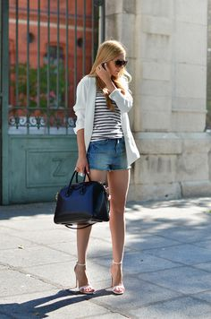 Blazer, shorts, and shoes by Zara, t-shirt by Denham, bag by Givenchy, sunglasses by Gucci. (ohmyvogue.com, August 25, 2013)