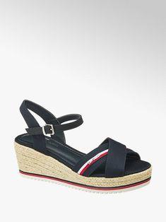 Duży wybór sandałów damskich w korzystnych cenach, dostawa gratis i 30 dni na zwrot w każdym sklepie! Znajdź wymarzone sandały damskie w sklepie Deichmann Duffy, Adult Coloring, Fashion Boots, Toms, Espadrilles, Wedges, Female, Color Azul, Products