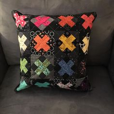 I wasn't doing great at my goal to finish some UFO projects this year so last night I set out to finish this pillow. I had the top done and… Applique Cushions, Patchwork Cushion, Sewing Pillows, Quilted Pillow, Cute Quilts, Mini Quilts, Quilting Projects, Sewing Projects, Sewing Tips