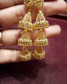 To but this whatsapp Latest jumkas Gold Jewelry Simple, Simple Necklace, Gold Jewellery, Gold Jhumka Earrings, Gold Necklace, Drop Earrings, Pattern Designs, Swag Style, Jute