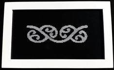 Maori Patterns, Heart Patterns, Cross Stitch Designs, Cross Stitch Patterns, Maori Designs, Spiral Shape, Maori Art, Bone Carving, Mosaic Designs