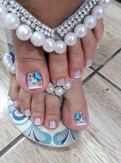 Unhas Decoradas do Pé: 25 Inspirações para Deixar Seus Pés Ainda Mais Bonitos! Bridal Toe Nails, Pink Toe Nails, Cute Toe Nails, Toe Nail Color, Summer Toe Nails, Toe Nail Art, Bling Nails, Pedicure Nail Art, Toe Nail Designs