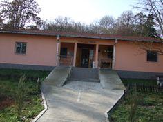 Spălătoria  şi  bucătăria  spitalului  au  fost  dotare  cu utilaje  specifice  moderne şi cu centrale termice care să asigure  condiţii optime pentru activităţile desfăşurate aici. Aceste utilaje au fost de asemnea achiziţionate din fonduri primite de la Consiliul Judeţean Cluj. Din anul 2007 spitalul nostru este dotat cu un grup electrogen propriu .