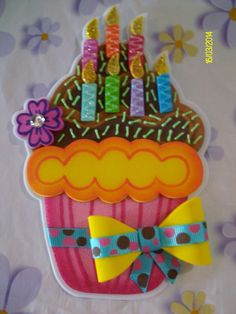 En fomy ✿⊱╮ Foam Crafts, Diy And Crafts, Crafts For Kids, Arts And Crafts, Paper Crafts, Cupcake Crafts, Birthday Charts, Class Decoration, Art N Craft