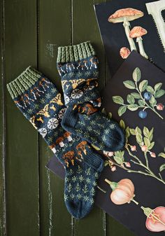Knitted Socks Free Pattern, Mittens Pattern, Sweater Knitting Patterns, Knitting Socks, Hand Knitting, Knitting Charts, Motif Fair Isle, Yarn Thread, Loom Patterns