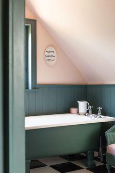 Home Decor Living Room pink teal bathroom.Home Decor Living Room pink teal bathroom Bathroom Red, Small Bathroom, Wood Panel Bathroom, Bathroom Vintage, Blush Bathroom, Green Bathrooms, Parisian Bathroom, Bathroom Paneling, Rental Bathroom
