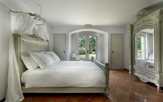 Villa Pearl - luxury villa St Tropez, France, with private chef and daily housekeeping from Firefly Collection.
