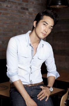 Estos son los 15 actores coreanos más guapos, ya sea por su encantadora sonrisa, su cabel...