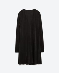 http://www.zara.com/pt/pt/mulher/vestidos/ver-tudo/vestido-plissado-c733885p3091540.html